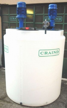 1.000 liters tank equipped with  minimum probe, Stirrer and 200 l/h Pump